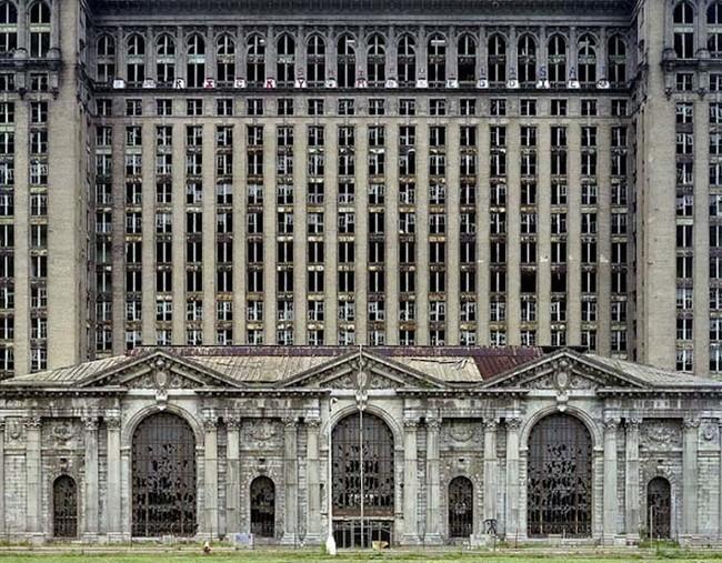 Бывший Центральный вокзал Мичигана